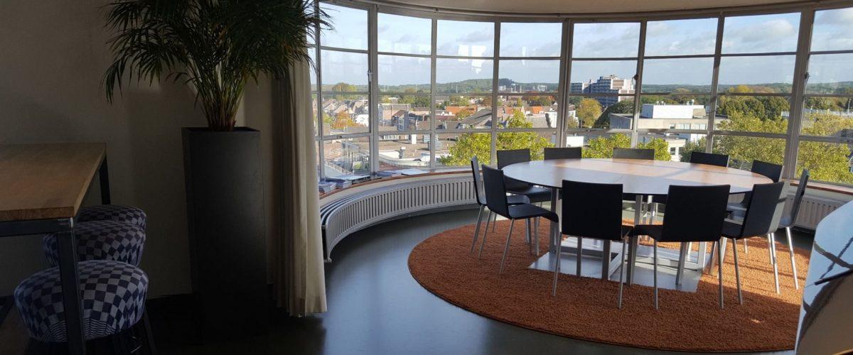 Foyer ronde tafel 2